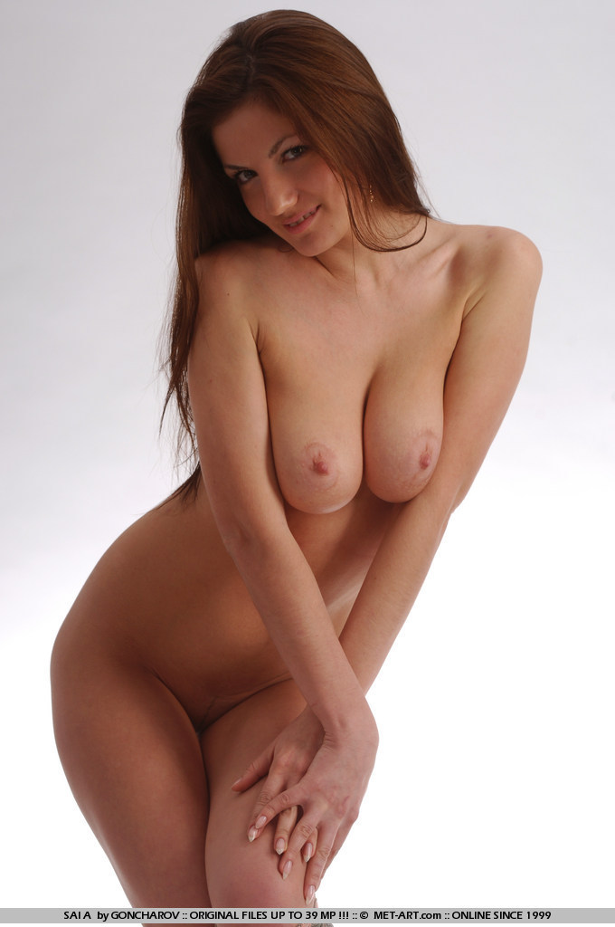 nude curvy female models
