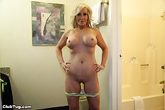 Mature blonde pov handjob 1300X867 jpeg