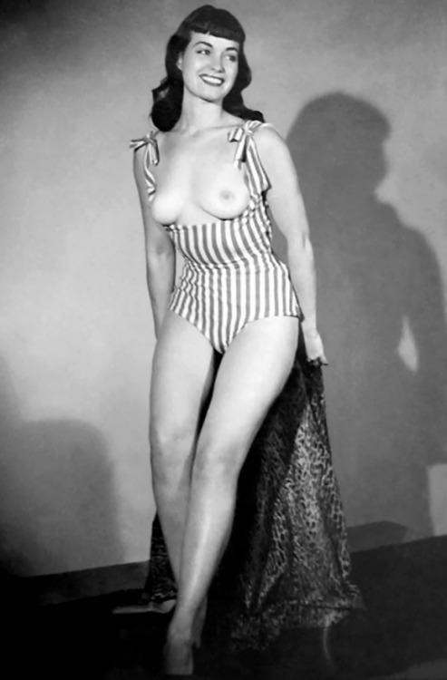 1950 style pinup girl nude