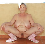 Mature sexy panties shows her pussy 1024X1008 jpeg