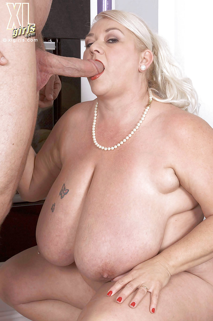Mature women with big juggs porn full size