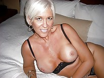 Smiling mature milf 640X480 jpeg