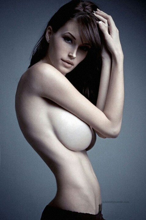 Naked Big Boobs Small Waist Wide Hips Sexy Busty Girl