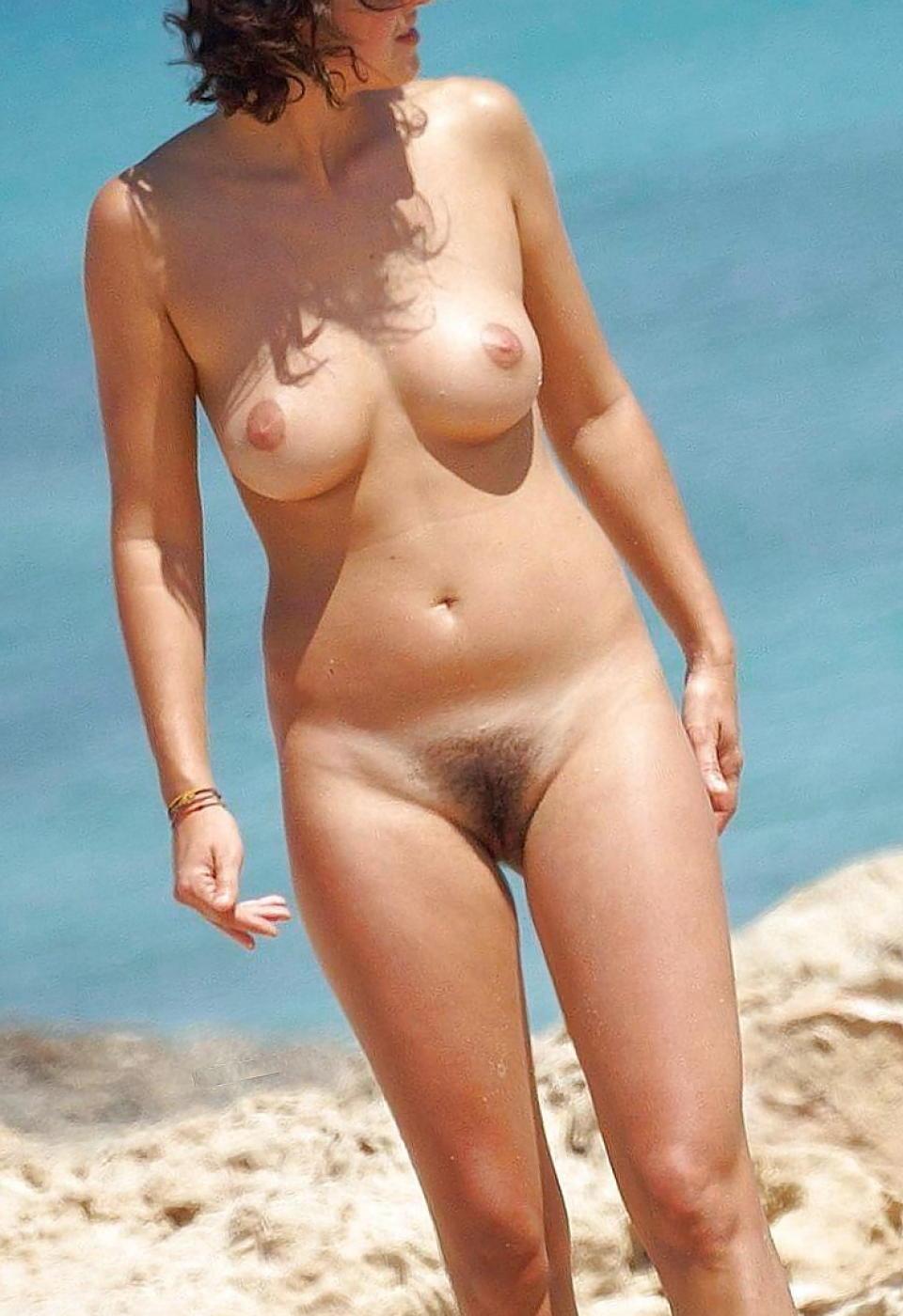 Beach Nude Pussy