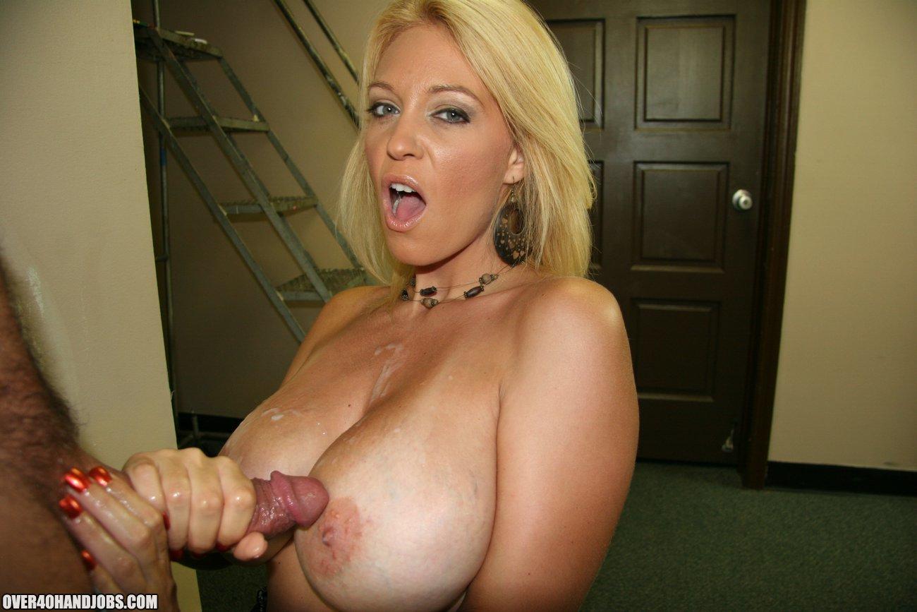 Big Tit Thai Girl Creampie