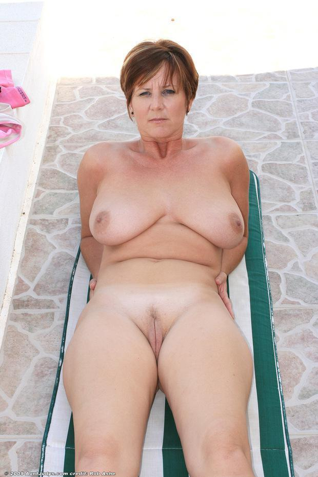 Mature big tits at beach pics Amateur Mature Big Tits Beach Nuslut Com