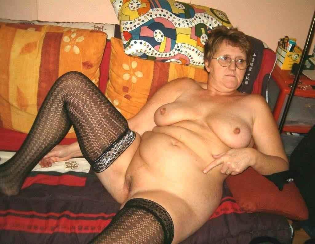 Lesbian teacher seduces busty student