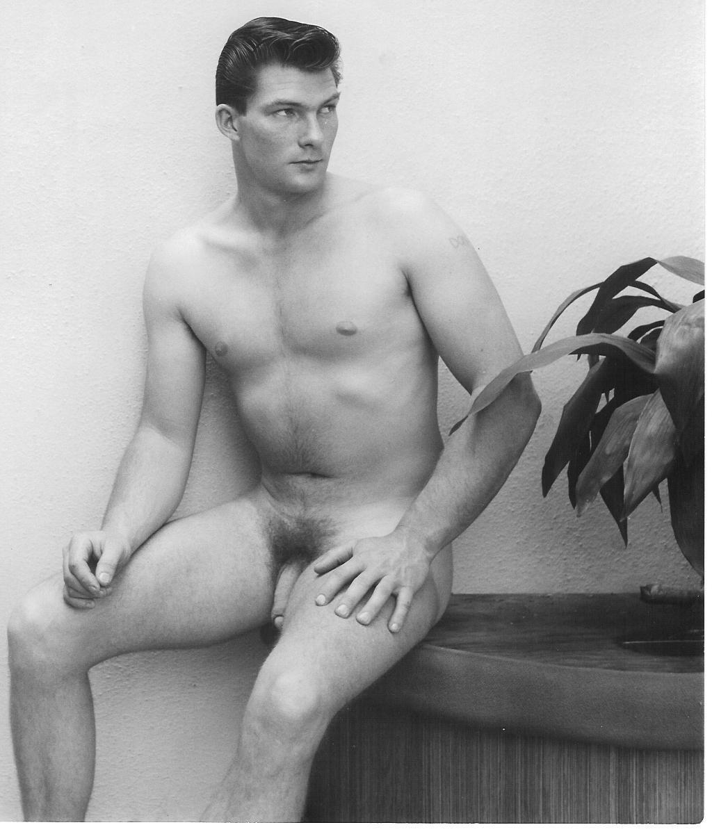 naked-vintage-male-models