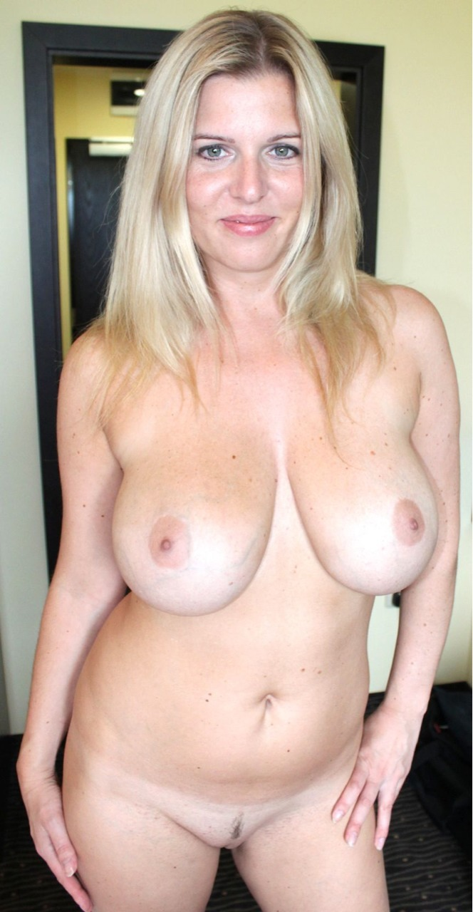 Latina Milf Natural Tits