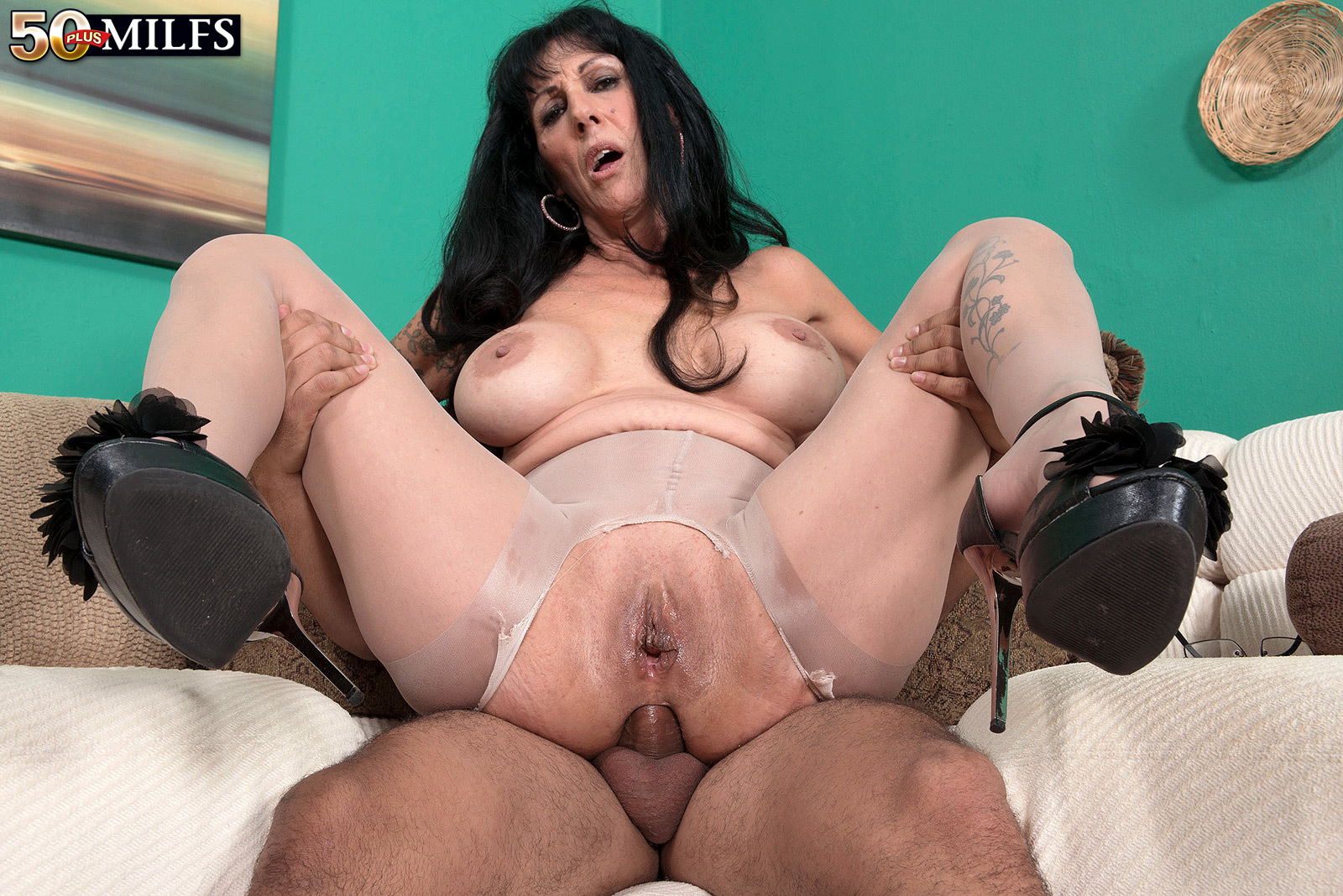 milf in stockings anal